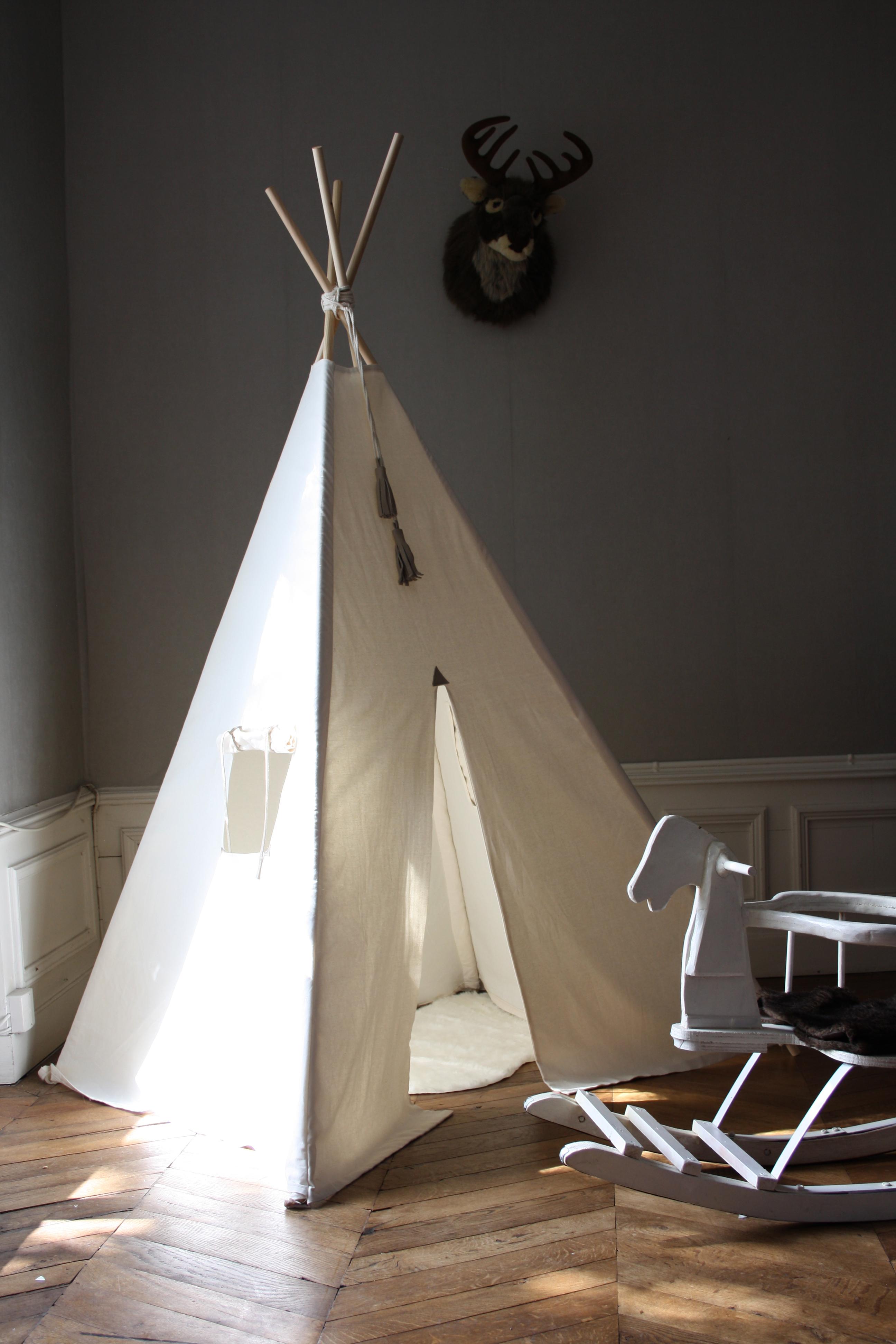 dans le tipi 1. Black Bedroom Furniture Sets. Home Design Ideas